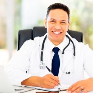 Doctor en consulta